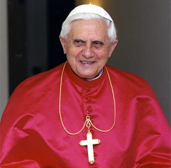 http://mazar.files.wordpress.com/2009/07/ratzinger_2.jpg